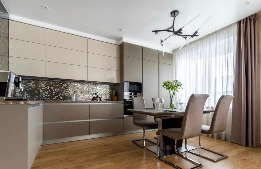 Кухня в стиле хай-тек представляет собой функциональное пространство с лаконичной мебелью и современными бытовыми приборами