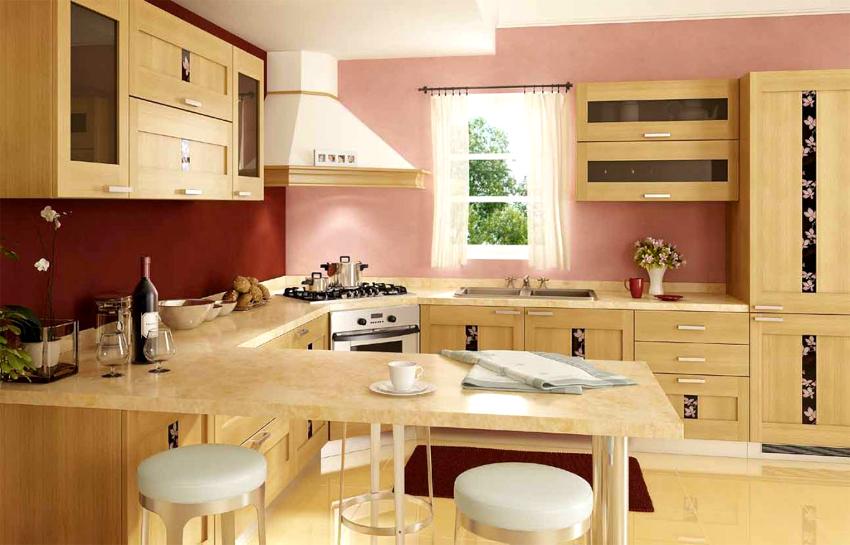 Существует два варианта выполнения угловых кухонь - прямой и скошенный