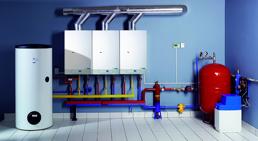 В ХХ веке в системы отопления начали внедрять вентиляторы, кондиционеры, насосы и электронное управление