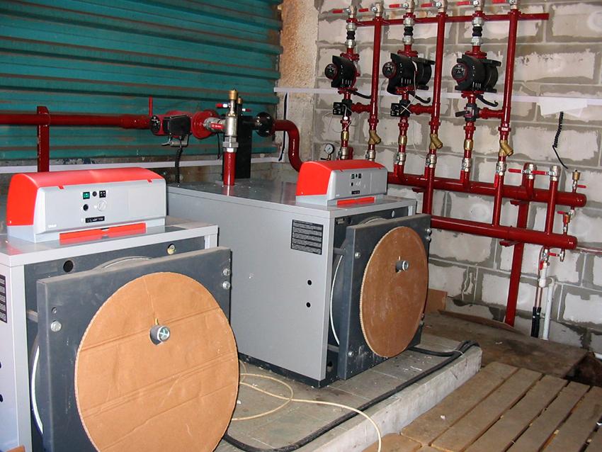 Если есть навыки, то монтаж воздушной системы отопления можно сделать собственноручно