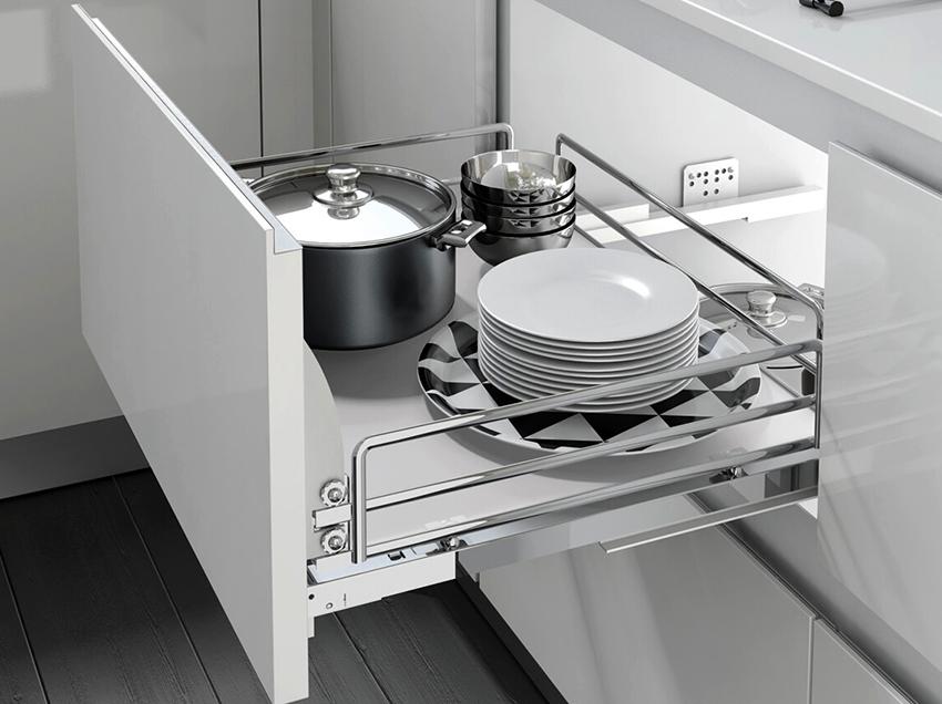 Кухонные выдвижные системы могут быть разных габаритов