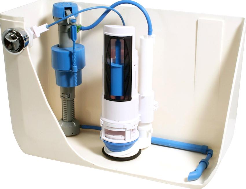 В состав запорной арматуры для бачка унитаза с нижней подводкой входят поплавок, направляющая, стакан, тяга и мембранный клапан