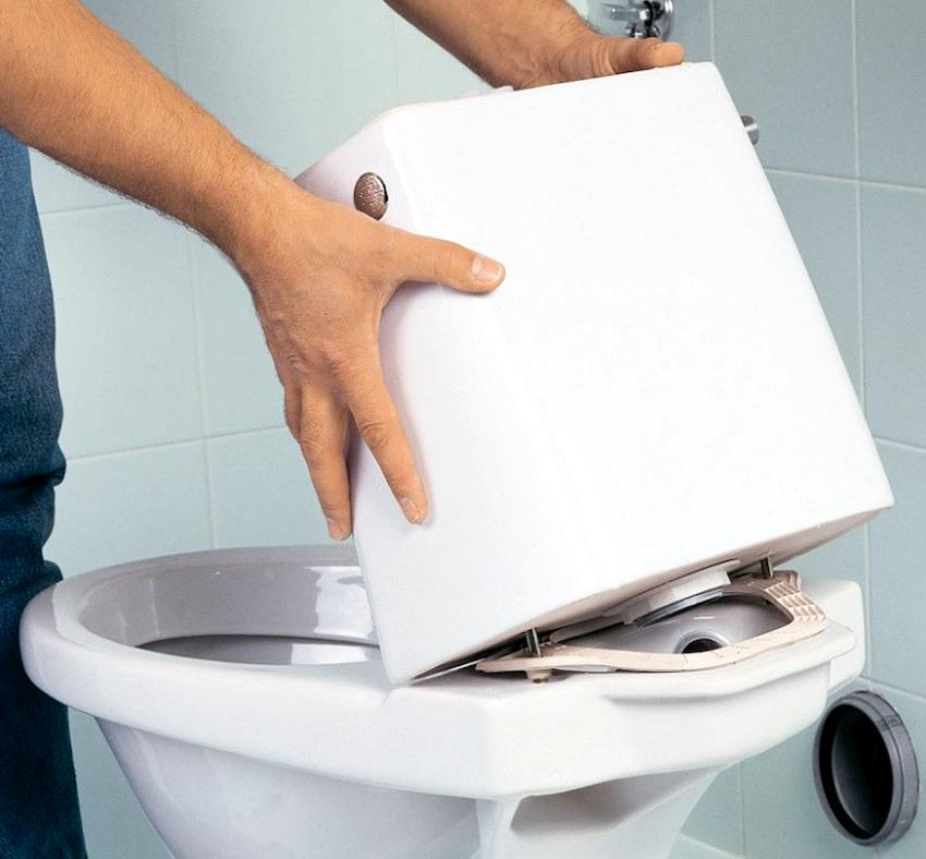Все соединительные элементы в стыковых местах для обеспечения надежной герметизации следует обработать герметиком или силиконом