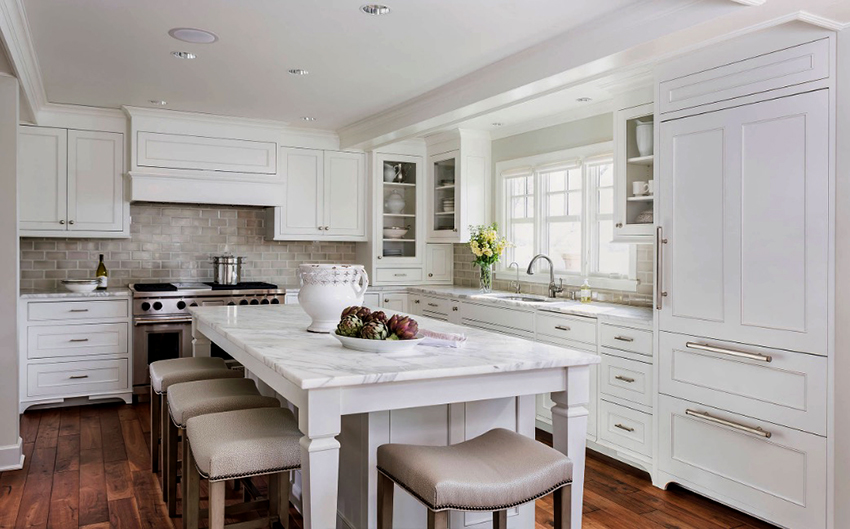 Белоснежная кухня в любом стиле выглядит элегантно и торжественно