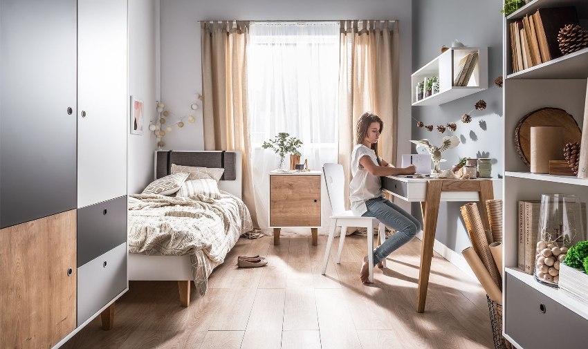 Современные тенденции оформления комнаты для девочки связаны с расположением светлой мебели на пастельном фоне