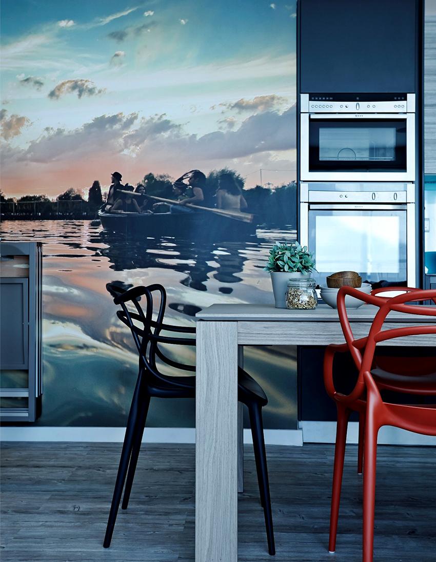 Другие элементы кухонного помещения должны гармонировать с фотообоями