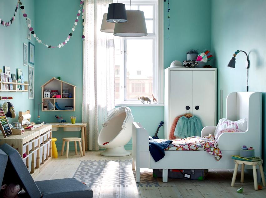 В комнате следует обособить несколько функциональных зон: рабочую, для сна, отдыха и игр, место для хранения одежды