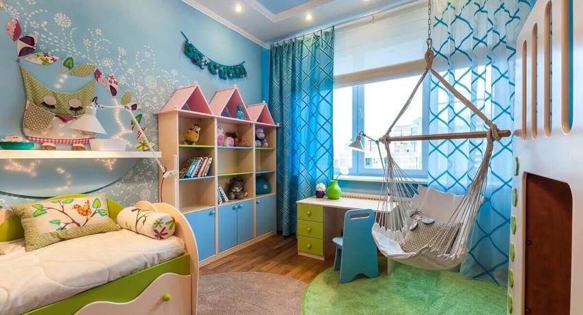 При создании интерьера детской спальни еще до начала ремонта следует определить расположение функциональных зон и способы разделения комнаты