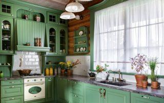 Короткие занавески на кухню: лаконичный и практичный способ декорирования оконного проема
