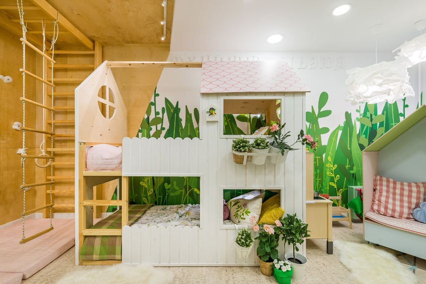 Детские спортивные комплексы изготавливаются из металла или дерева