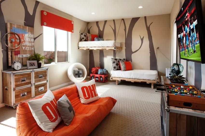 Для двух мальчиков, если комната небольшая, идеальным будет вариант с двухъярусной кроватью