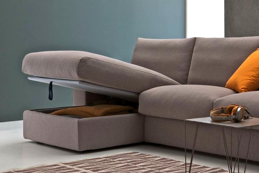 Покупая диван, необходимо обращать внимание не только на вид механизма, но и на тип каркаса, наполнитель и обивку