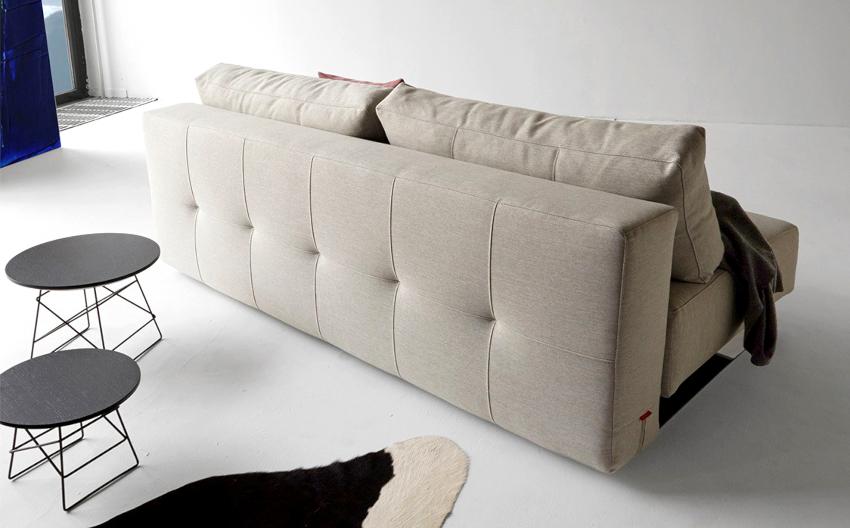 Благодаря тому, что конструкция «Еврокнижки» отличается простотой, то и ломаться в таком диване фактически нечему
