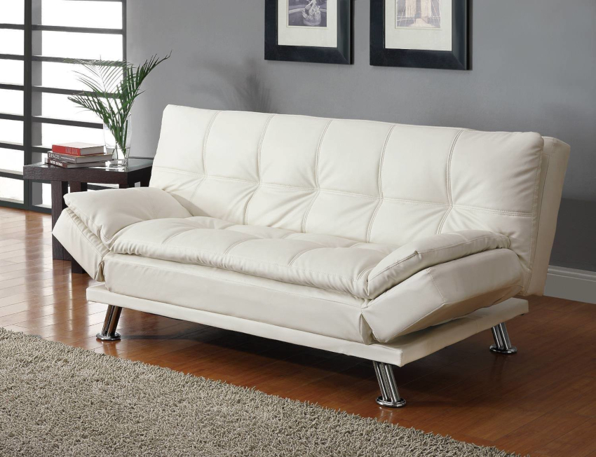В зависимости от способа эксплуатации мебель можно превратить в полноценное спальное место, а можно не откидывать спинку до упора