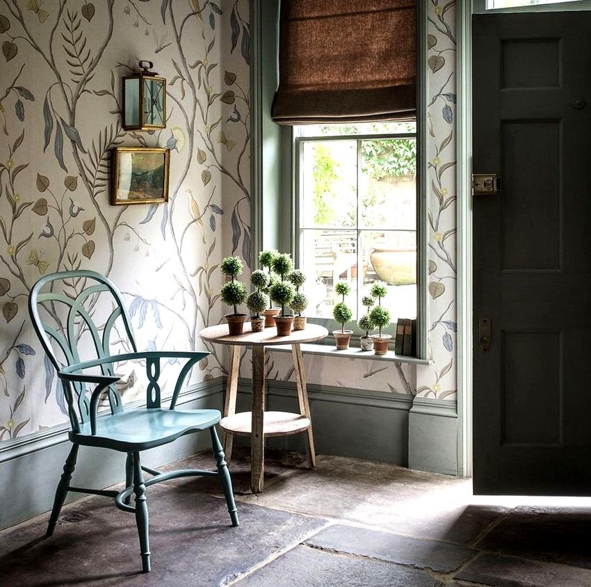 При правильном выборе цвета и узора, можно визуально скорректировать форму комнаты