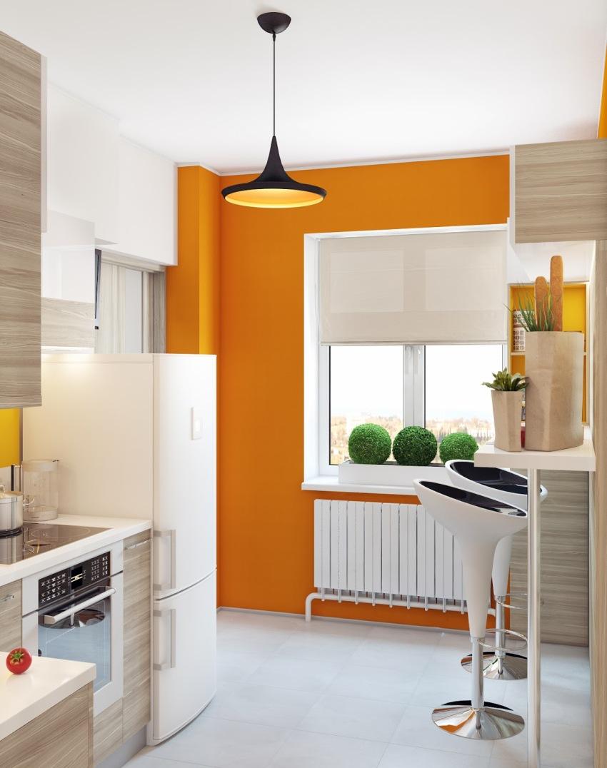 Для оформления окна на кухне без штор, можно одну стену сделать акцентной, которая будет привлекать на себя внимание