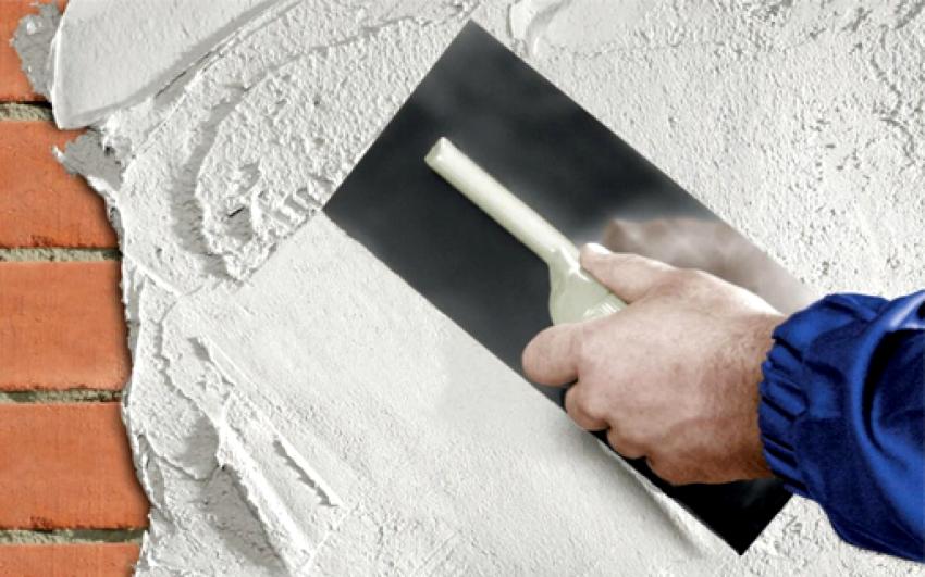 Если шпаклеванию подлежит полностью вся поверхность стен, то миновать видимых полос от шпателя не удастся