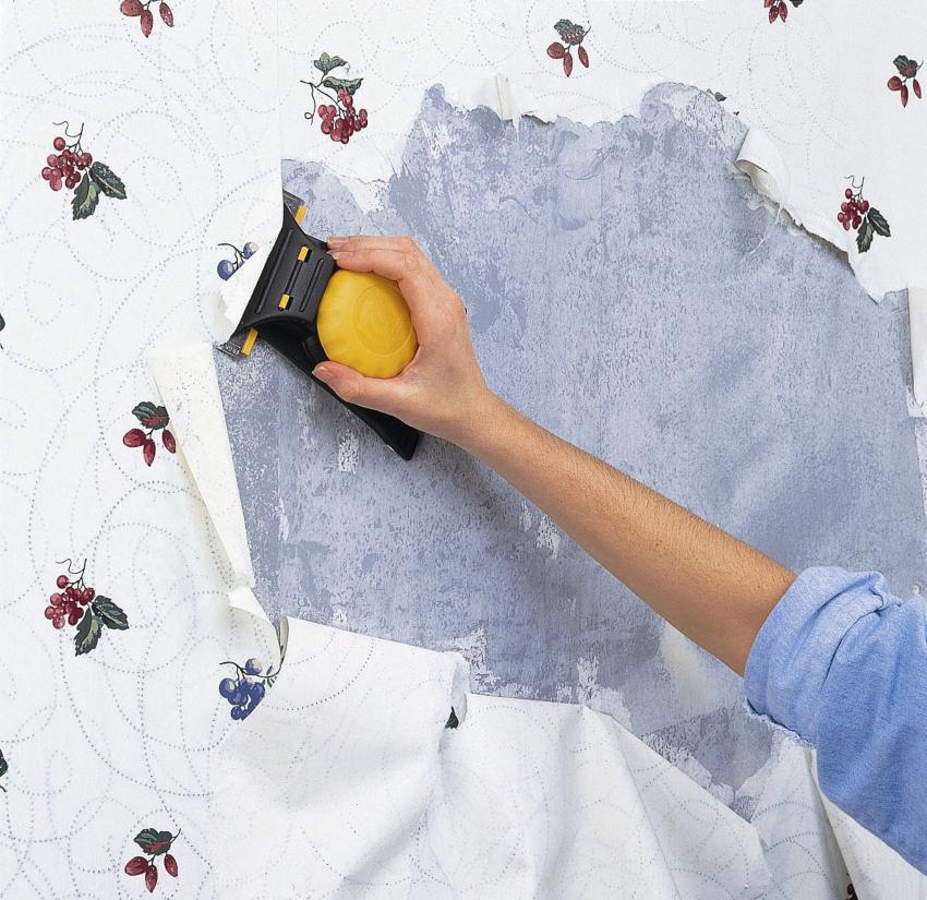Требуется приготовить индивидуальные средства защиты, ведь пыль и грязь во время снятия старых обоев могут попадать в дыхательные пути и глаза