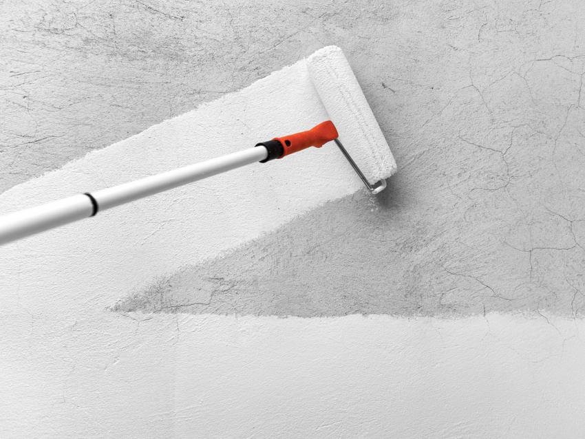 Слой грунтовки для надежной фиксации не должен превышать 6 мм, поэтому допустимо нанесение нескольких слоев