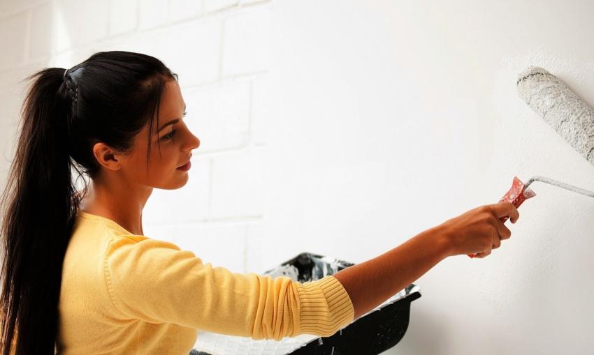 Грунтование – это завершающий этап работ по подготовке стен к поклейке обоев