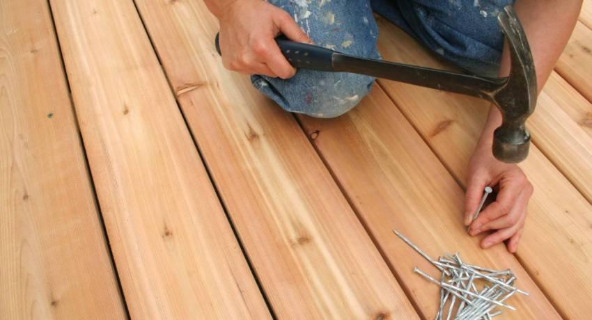Укладка массивной доски осуществляется исключительно на завершающем этапе ремонта в помещении