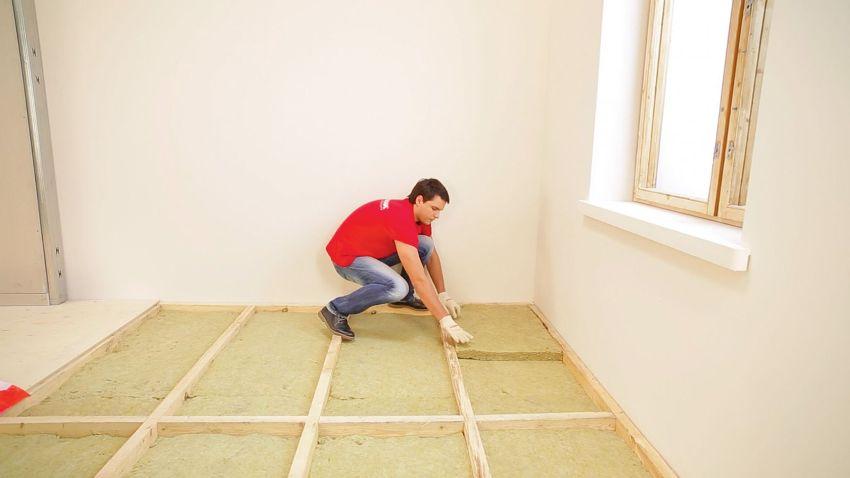 Обустройство двойного настила для утепления лучше производить в помещениях с высокими потолками