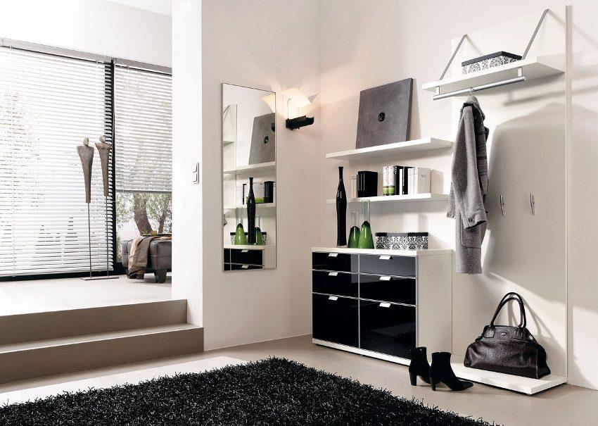 Для изготовления фасадной части мебели часто используется стекло