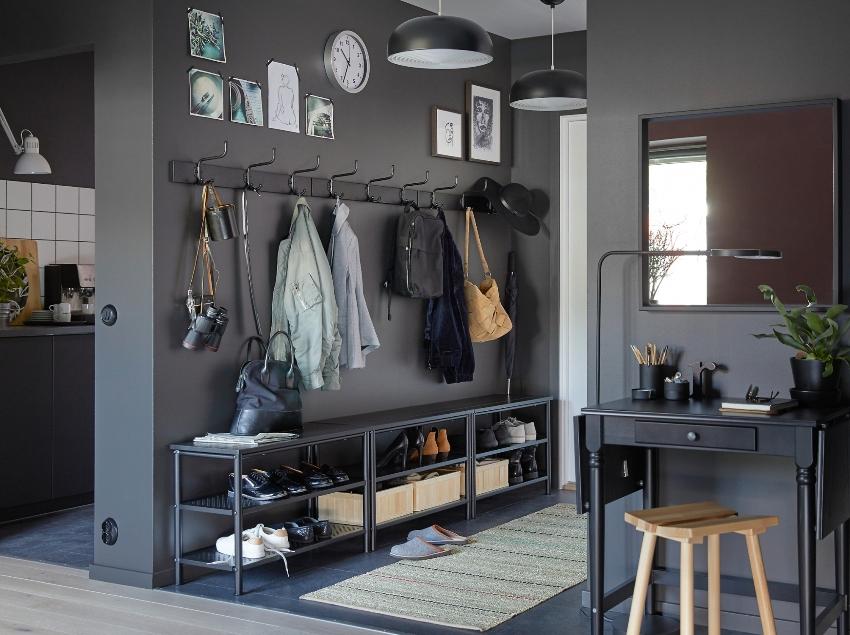 Материалы для отделки стен и пола в прихожей темных оттенков будут более практичны в использовании