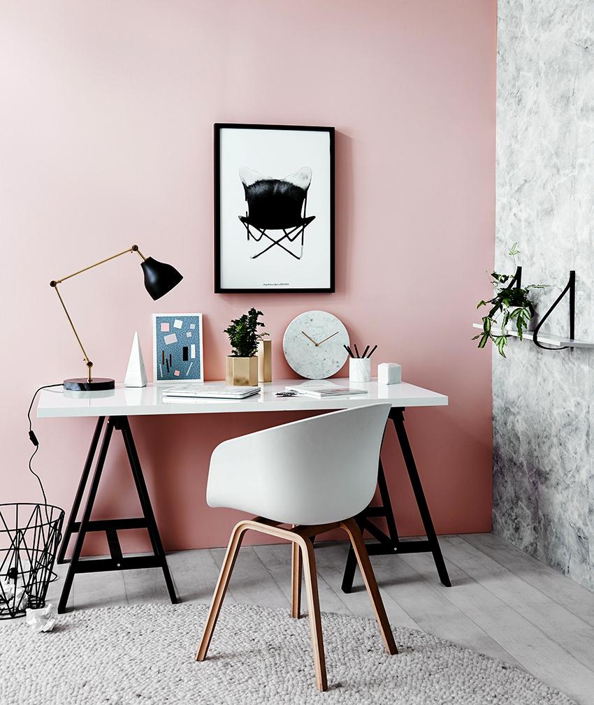 Для оформления небольшого помещения лучше отдать предпочтение пудровому розовому
