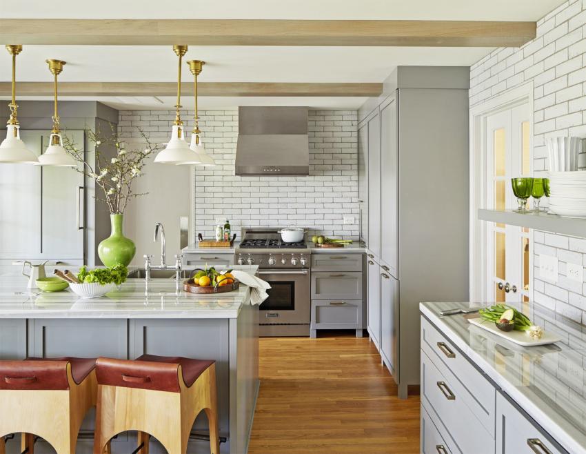 Дизайн серо-белой кухни считается наиболее классическим и универсальным