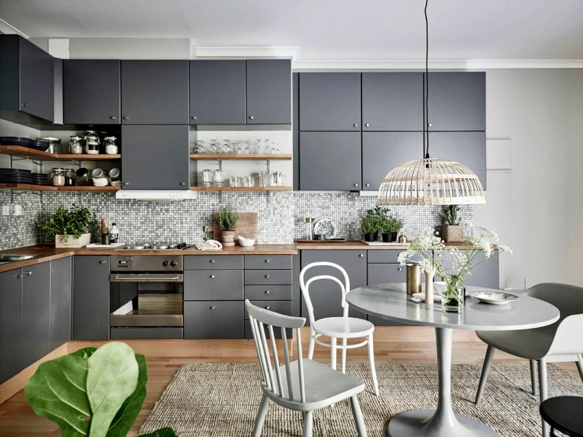 Популярным современным стилем, который тяготеет к применению серых сочетаний, считается минимализм