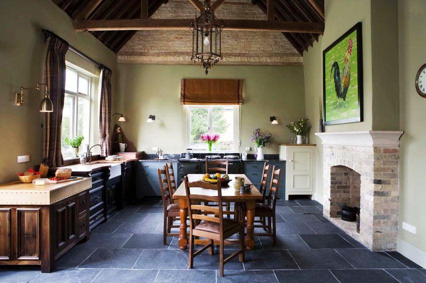 Синтетический материал для пошива штор на кухню чаще всего устойчив к воздействию жира, копоти и паров