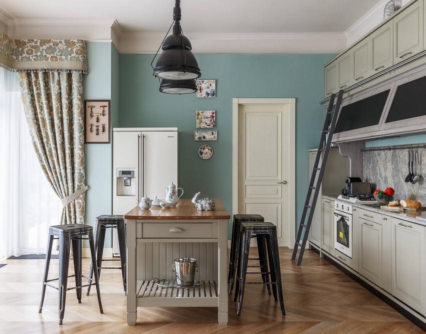 Заранее следует определить дизайн штор для кухни с балконом, подобрать оптимальную расцветку и плотность ткани