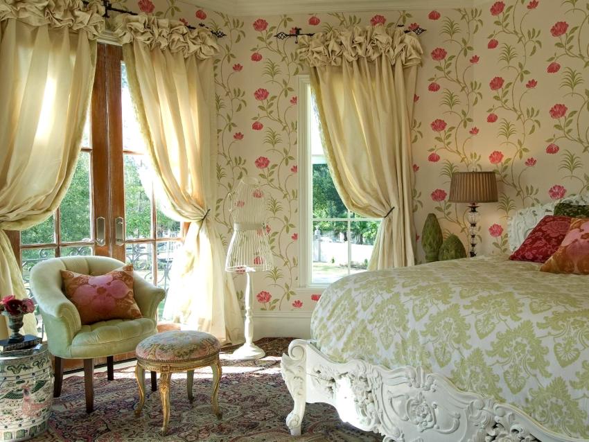 В последнее время наблюдаются изменения как форм и декора, так и качества тканей штор