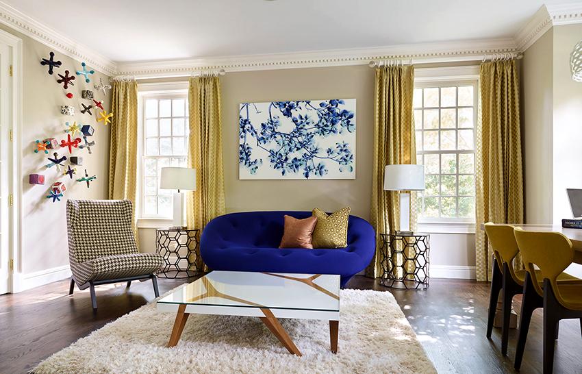 К оформлению гостиной с двумя и более окнами необходимо подойти с полной ответственностью