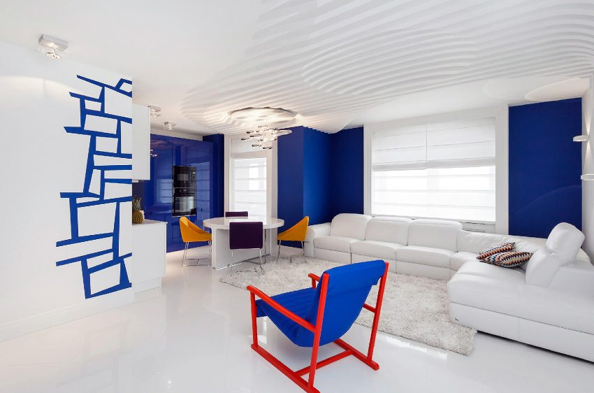 Обои синего цвета подойдут под любой стиль квартиры в зависимости от сочетания с другими цветами и фактурой