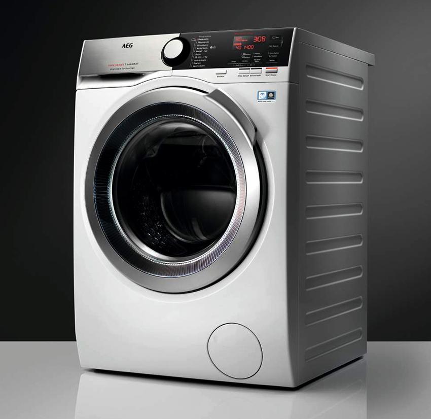 Машина AEG L8WBC61S может за раз постирать до 10 кг белья, а высушить – до 6