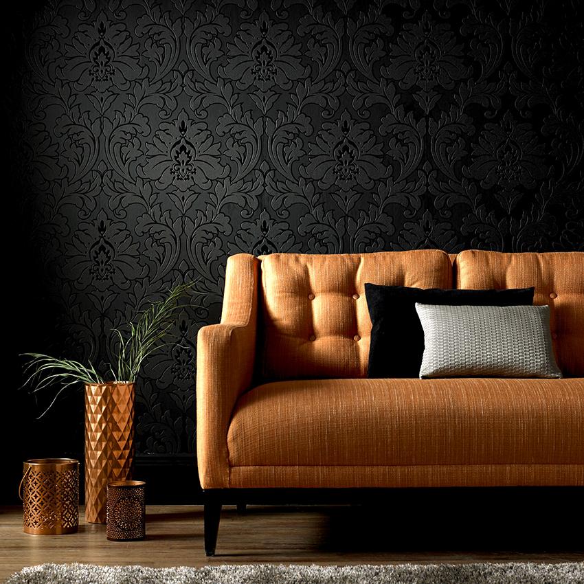 Грамотно подобранные черные обои сделают интерьер стильным и лаконичным