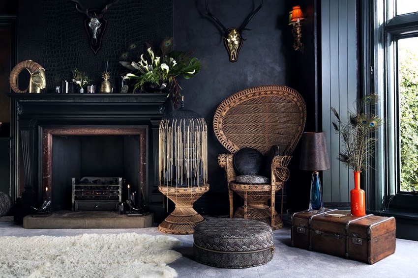 Для оформления жилого помещения допускается использовать темные обои черного, зеленого, синего и фиолетового оттенков