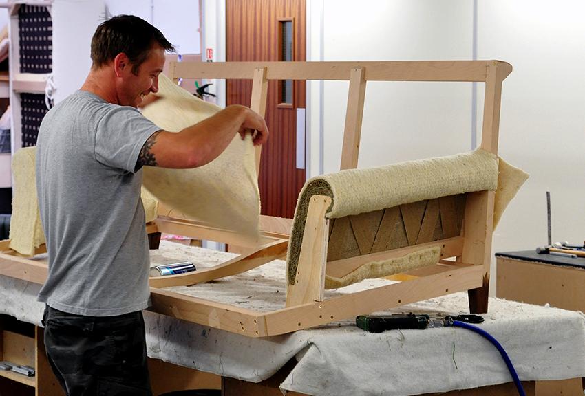 Для создания углового дивана понадобятся листы ДСП или фанера