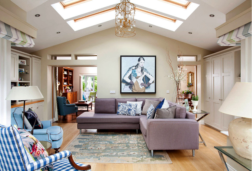 Массивный презентабельный угловой диван – идеальное решение для большой гостиной