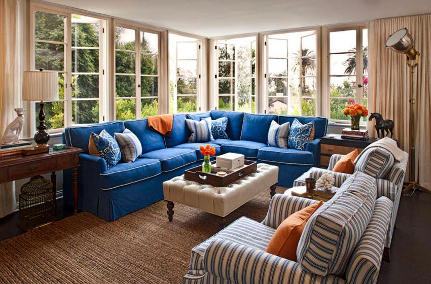 Декоративный кант контрастного цвета – распространенный вариант отделки диванов