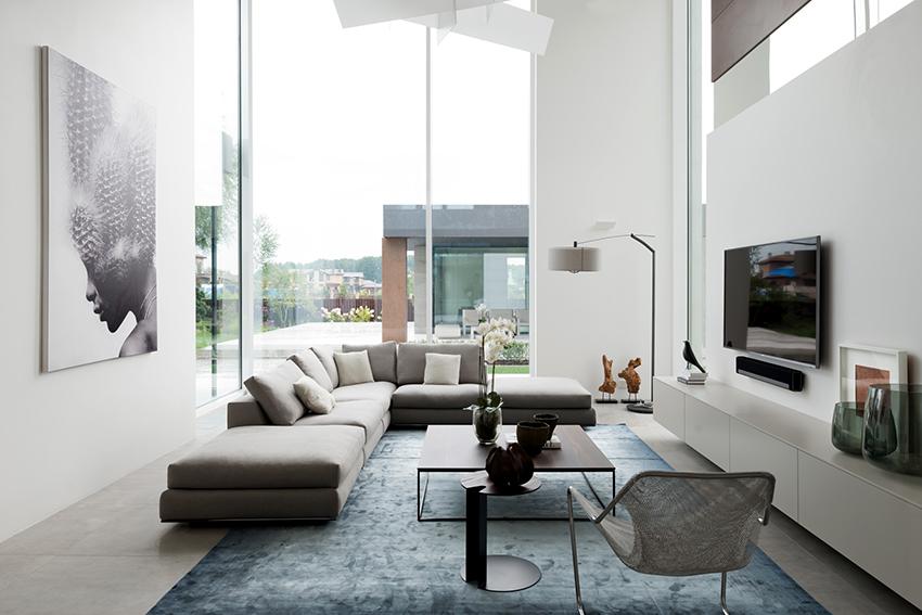 Кожаные диваны серого цвета – самые популярные среди потребителей