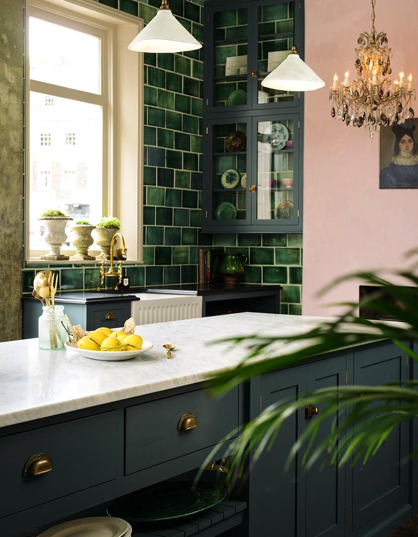 Кухни в зеленой цветовой гамме положительно влияют на аппетит и пищеварение