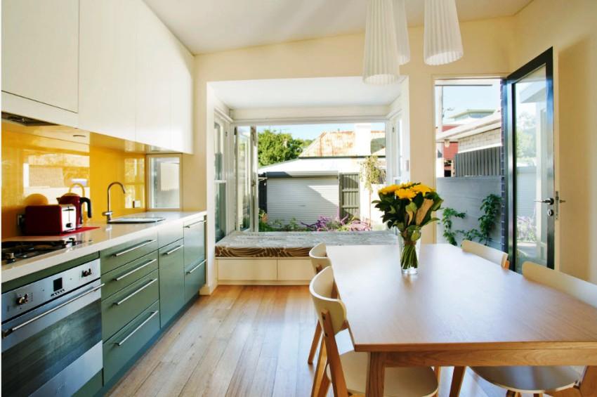 Желтый цвет на кухне можно смело комбинировать с зеленым в равной мере