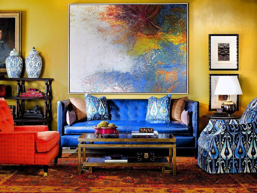 Диван для гостиной должен быть удобным и стильным