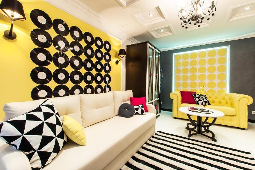 Большие прямые диваны – прекрасный вариант для просторных помещений