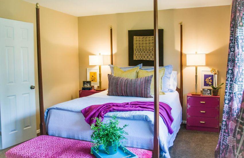 Оформляя комнату 12 кв. м нужно позаботиться о комбинаторике цвета отделки и мебели, напольного покрытия и текстиля