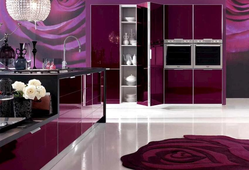 Большое значение в создании комфортного и функционального пространства имеет форма кухонного гарнитура