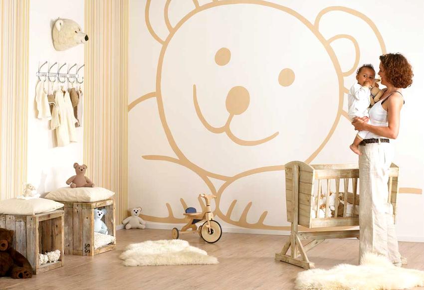 Для оформления спальни ребенка в возрасте до семи лет, помимо выбора рисунка, большое внимание следует уделить качеству обоев